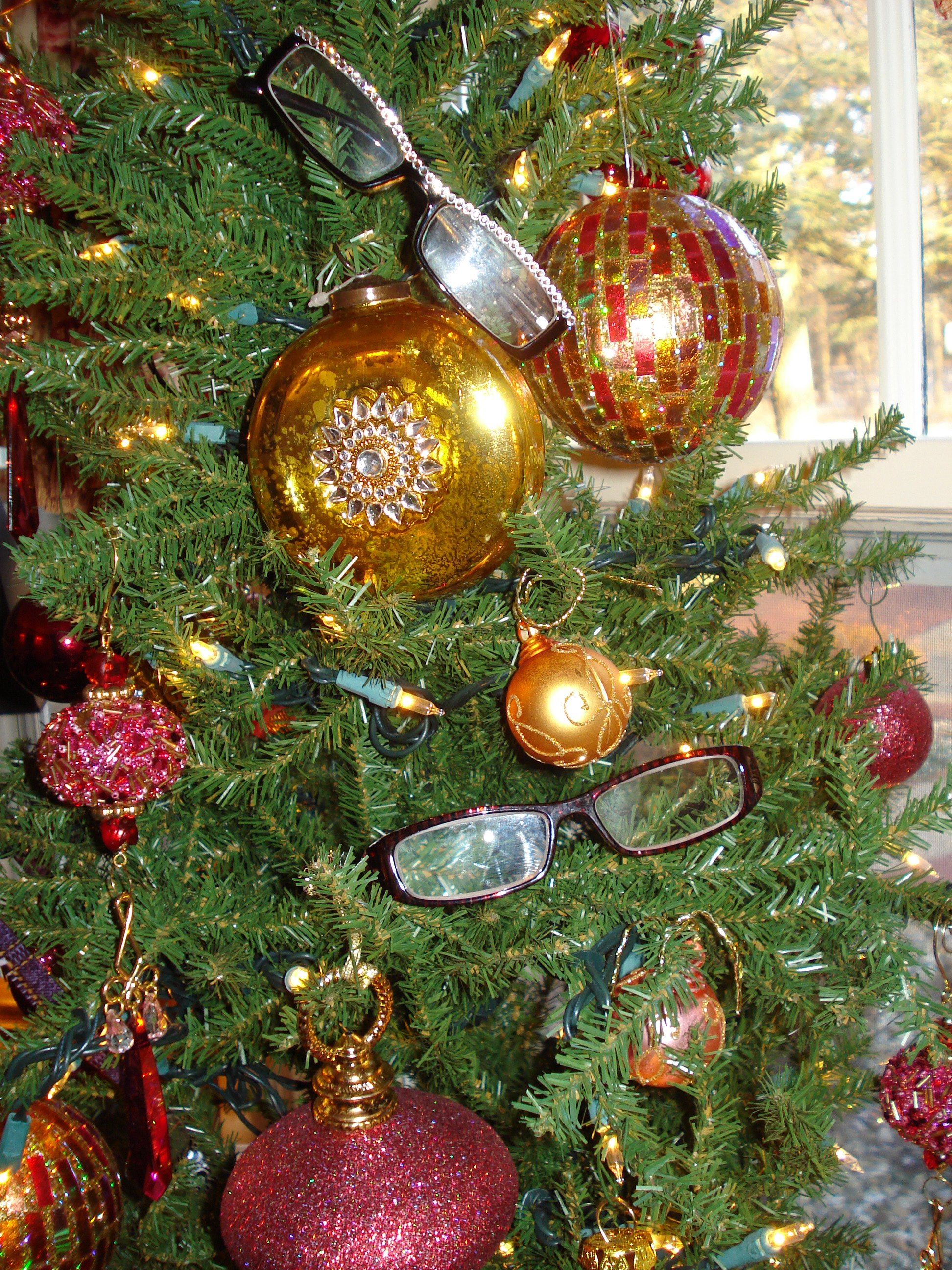 Tree Toppers That Really Top It Off { What\'s On Top of Your ...