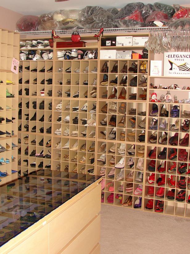 RMS_Organized-Spaces-shoe-closet-Christellsc_s3x4_lg