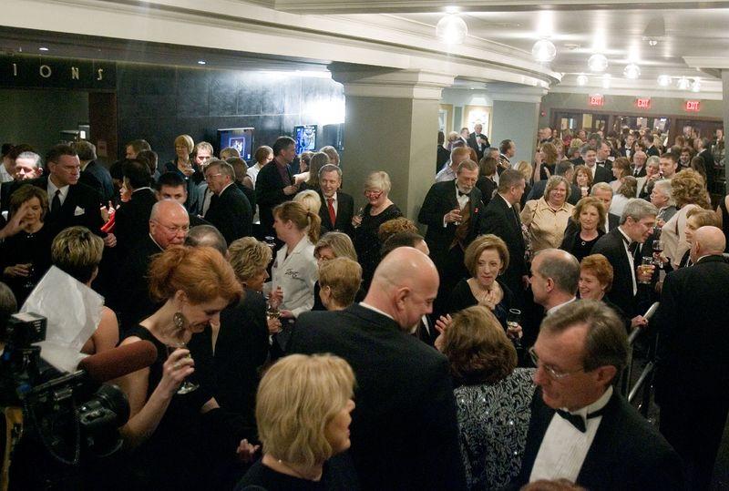 5306319-LAS-Theatre-Cedar-Rapids-Gala-Opening-02_26_2010-19.37.08