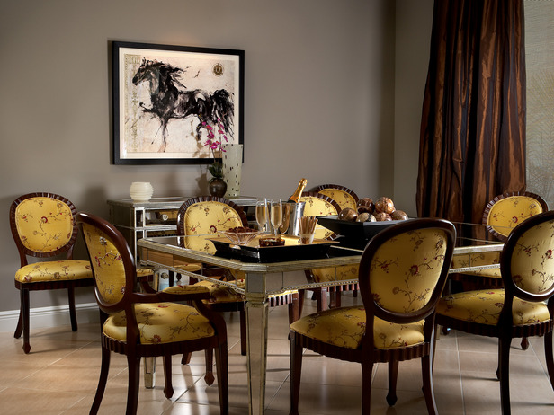 Dp-pubillones-yellow-dining-room_s4x3_lg