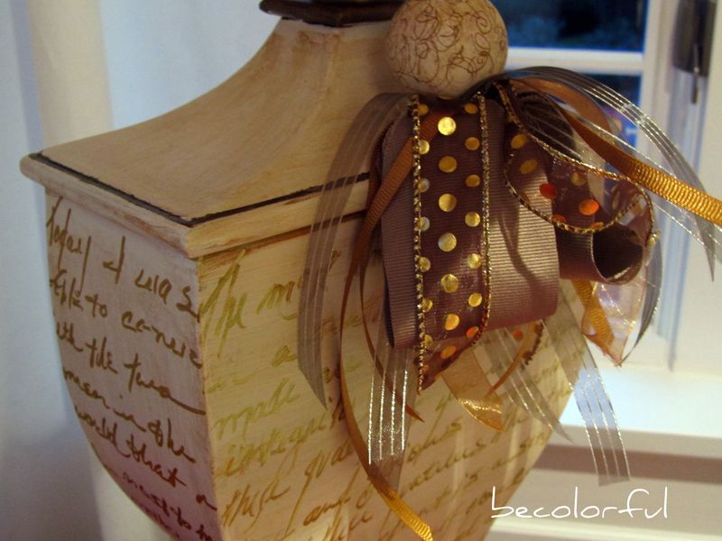 Lamp w words close up of tassel