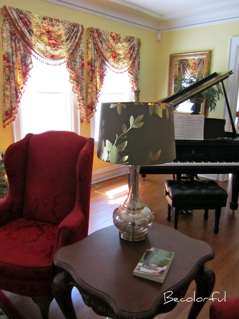 Living room morph shot toward pianored chair