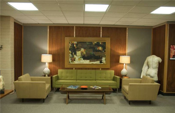 Mad_men_auction_roger_sterling_sofa
