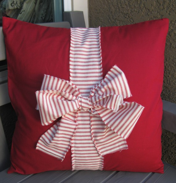 Red present pillow