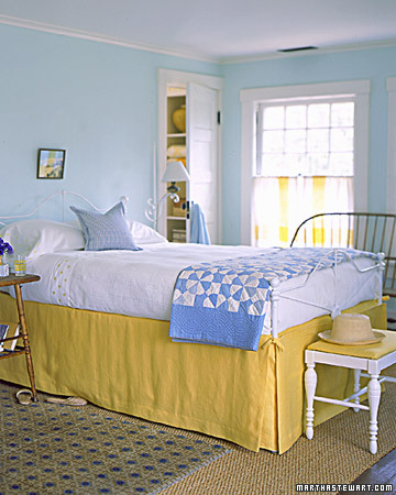 Yellow bedskirt Martha