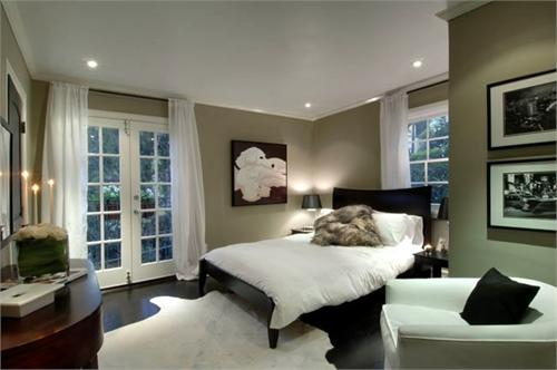 Decor pad taupe bedroom