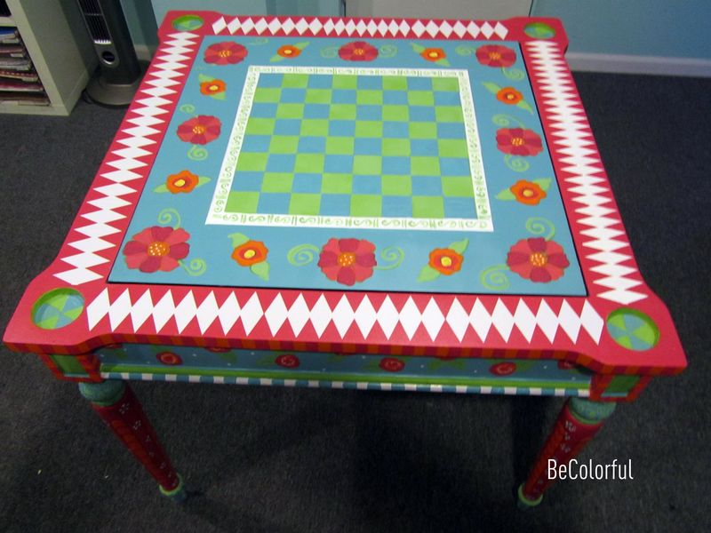 Cindy Hills game table full with top on