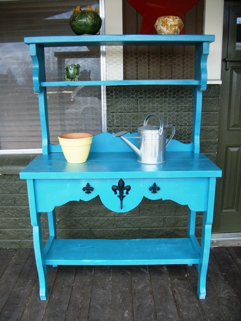 potting bench via finderskeepersantiques