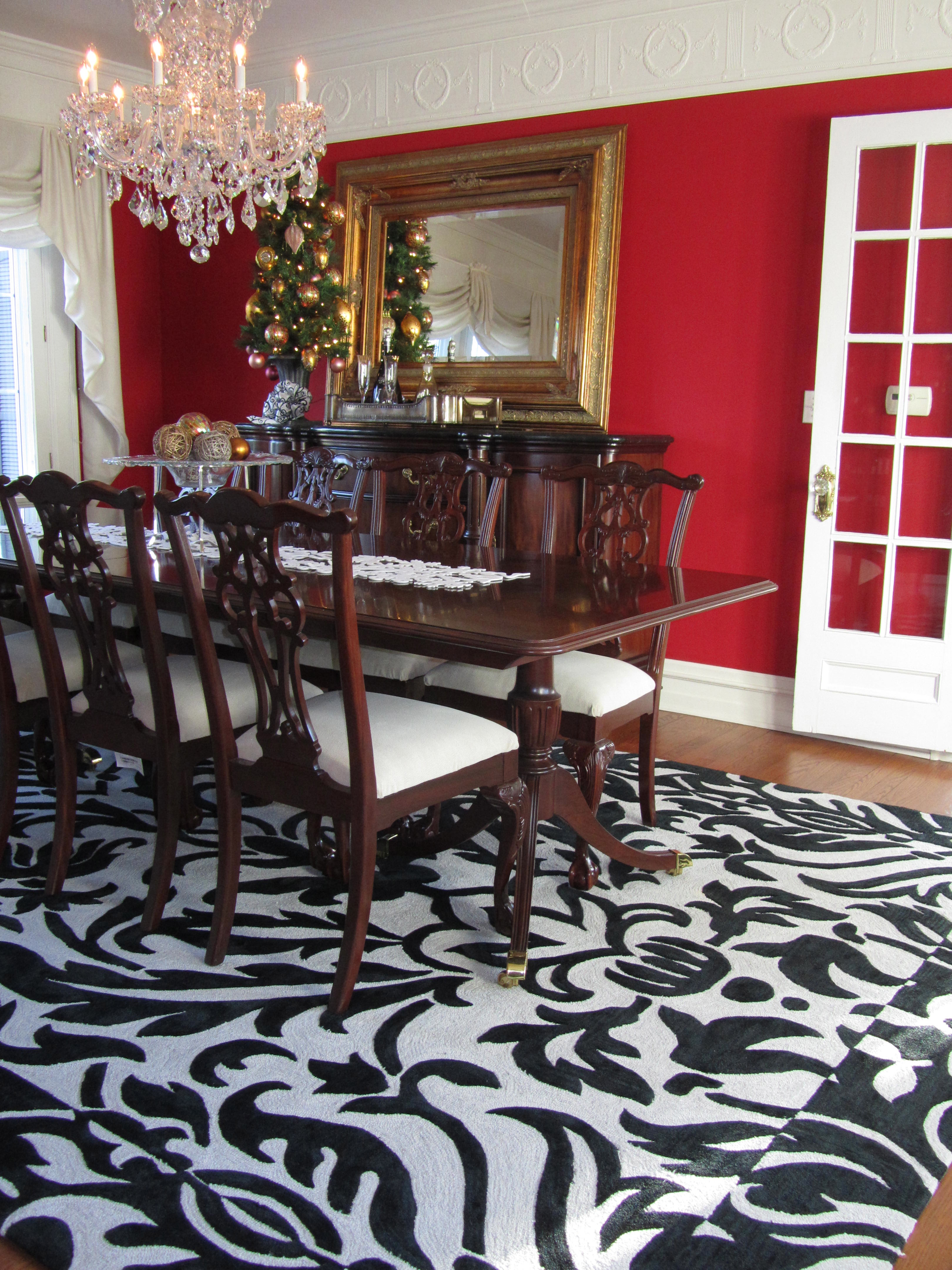 Black white red dining room - I Realize My Red Walls Don T Look Much Different From The Inspiration Photo But It Really Is A Matter Of Degrees The Brighter Lighter Raspberry Color Here