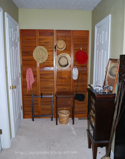 Shutters for hats