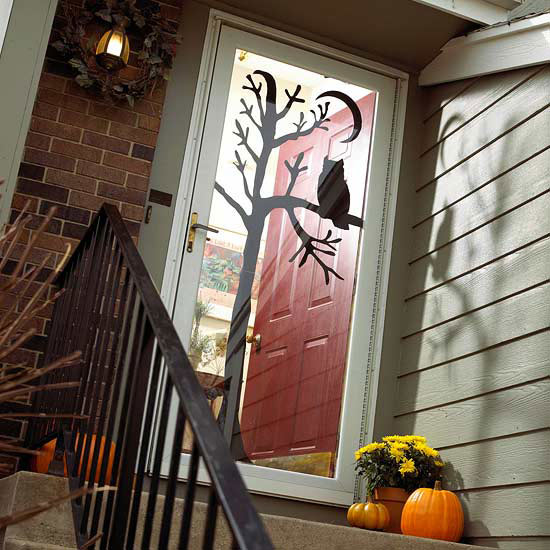 Http-::www.bhg.com:halloween:indoor-decorating:halloween-door-decor-28-great-ideas:#page=14