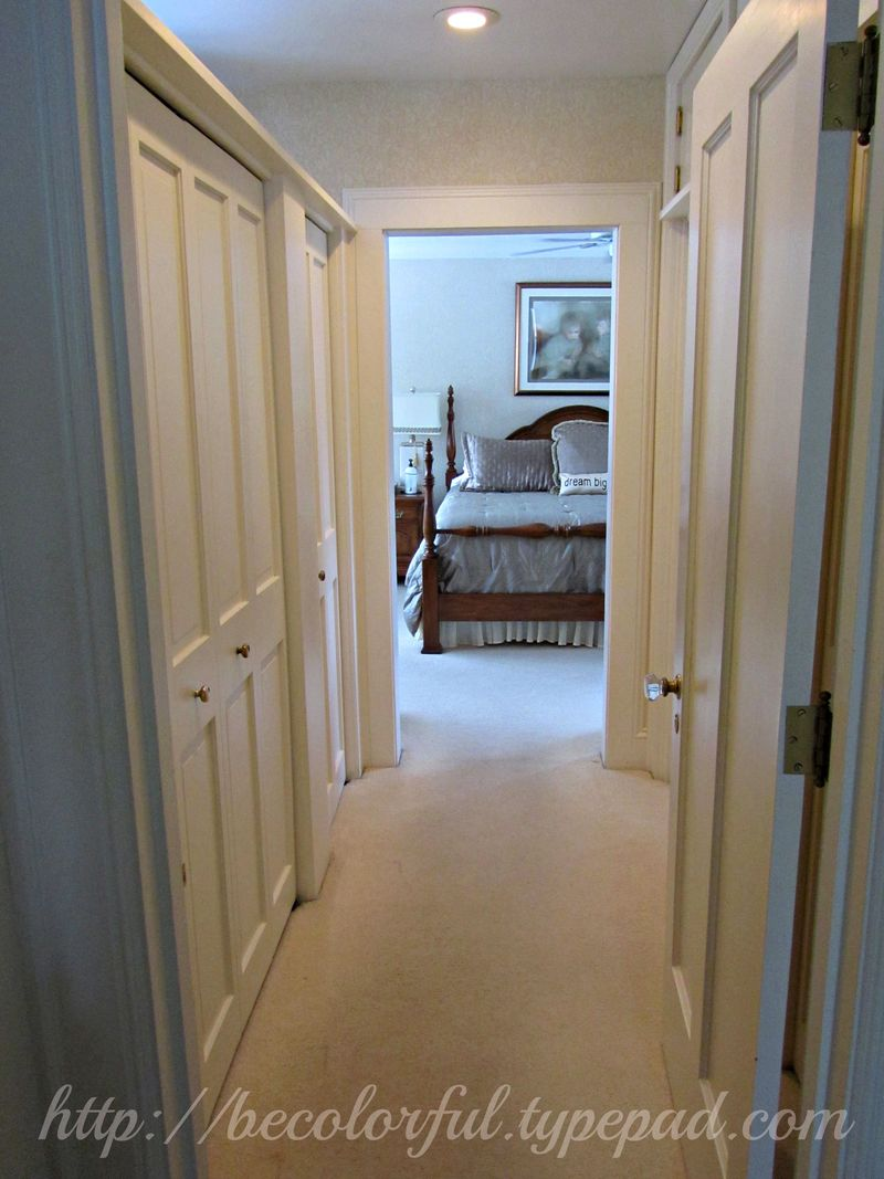Bedroom before entrance from hallway
