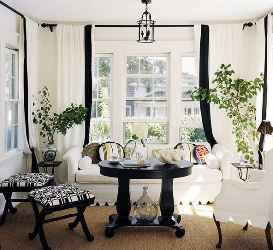 Black-and-white-in-traditional-living-rooms-15-554x507
