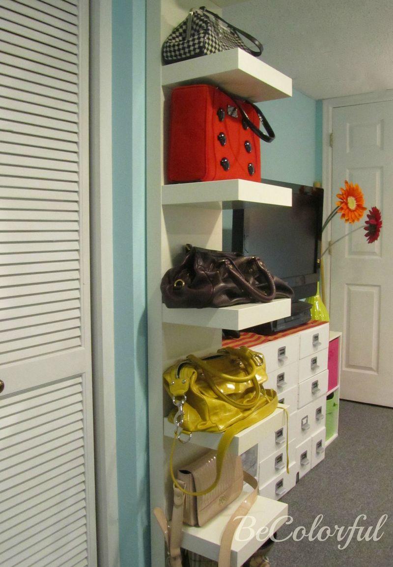 Purse organization toward closet