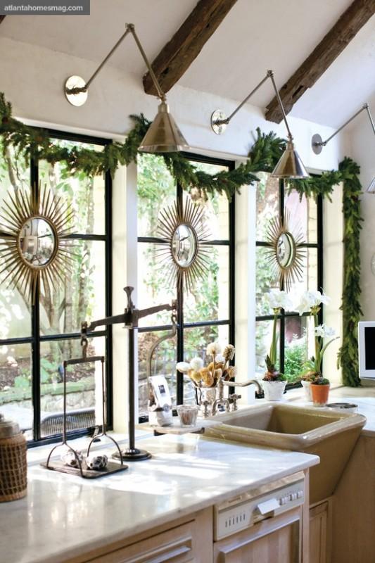Kitchen-windows-christmas-decor-533x800