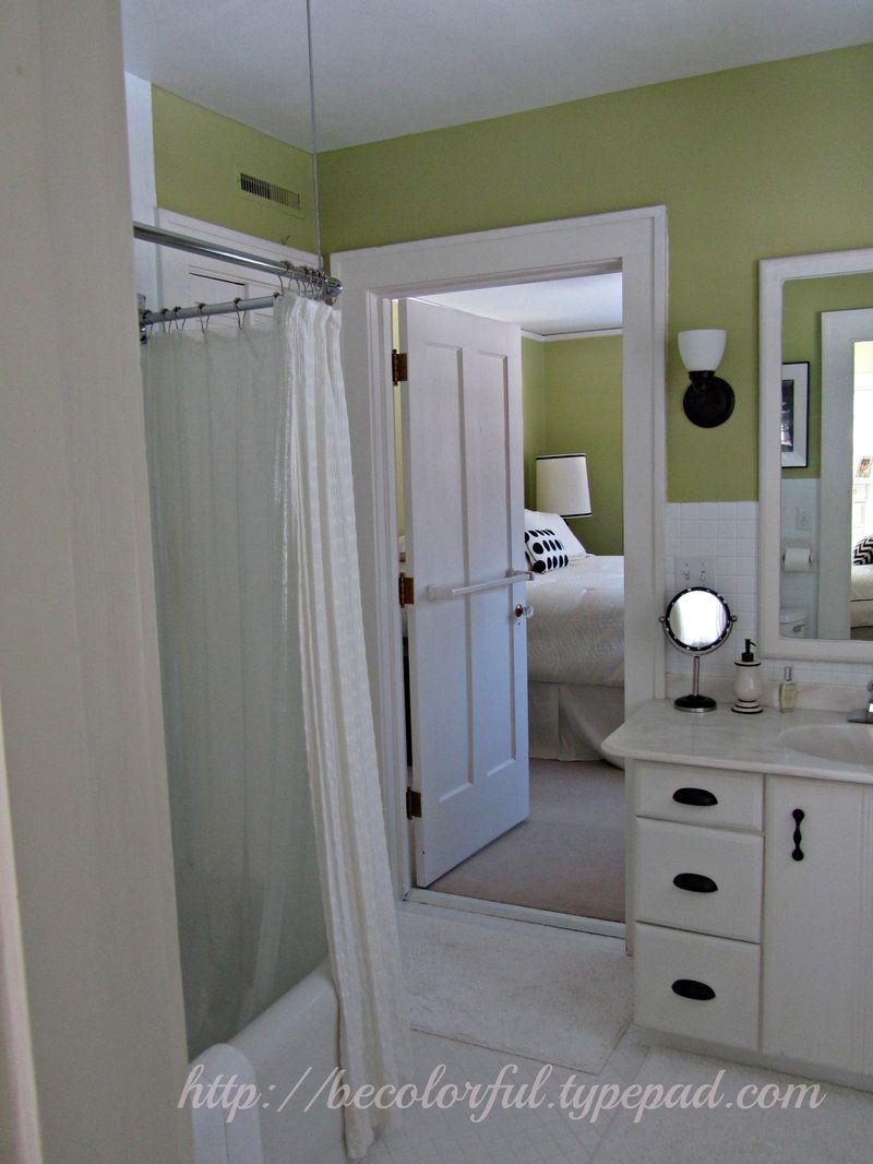 Green bath toward guest before