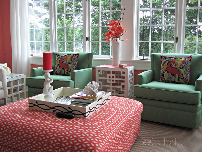 Coral room with plaid flowers