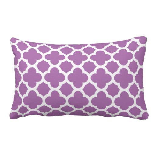 Purple_quatrefoil_trellis_pattern_throw_pillows-rfdc5188c2fb04617ad5330948c49e0b1_2zbjp_8byvr_512