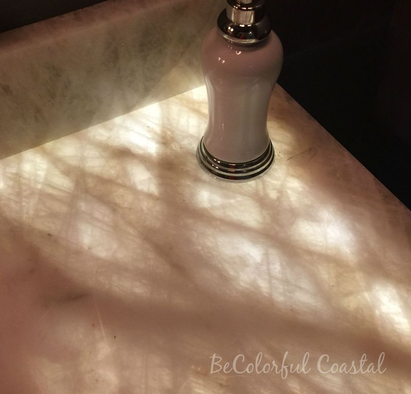 Veining in lighted countertop