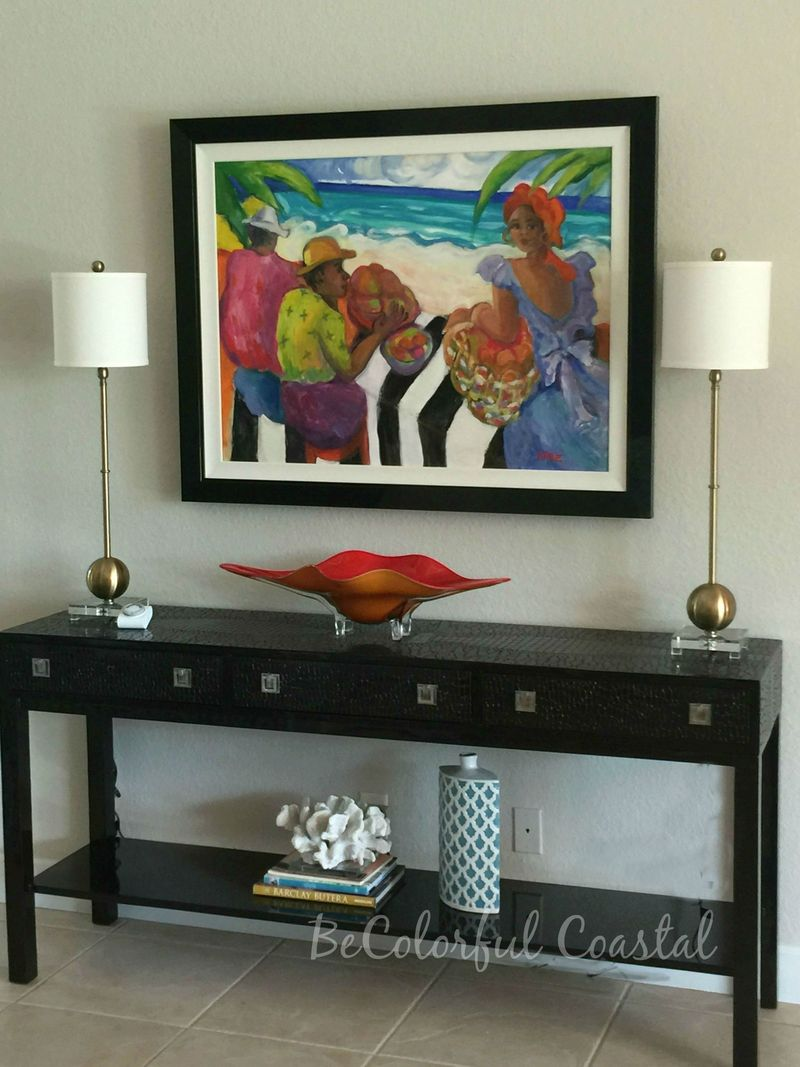 Living room artwork and table w lamps