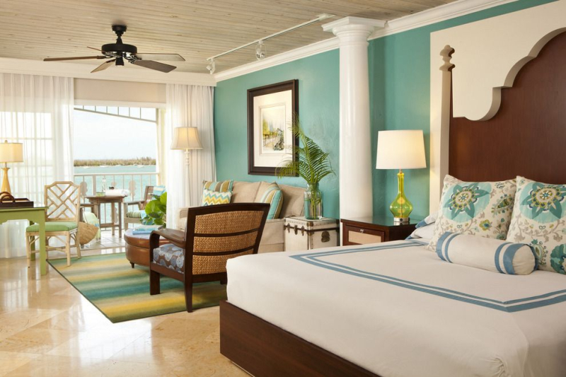 Ocean-Key-SAMMY-Oceanfront-Boutique-Suite_54_990x660