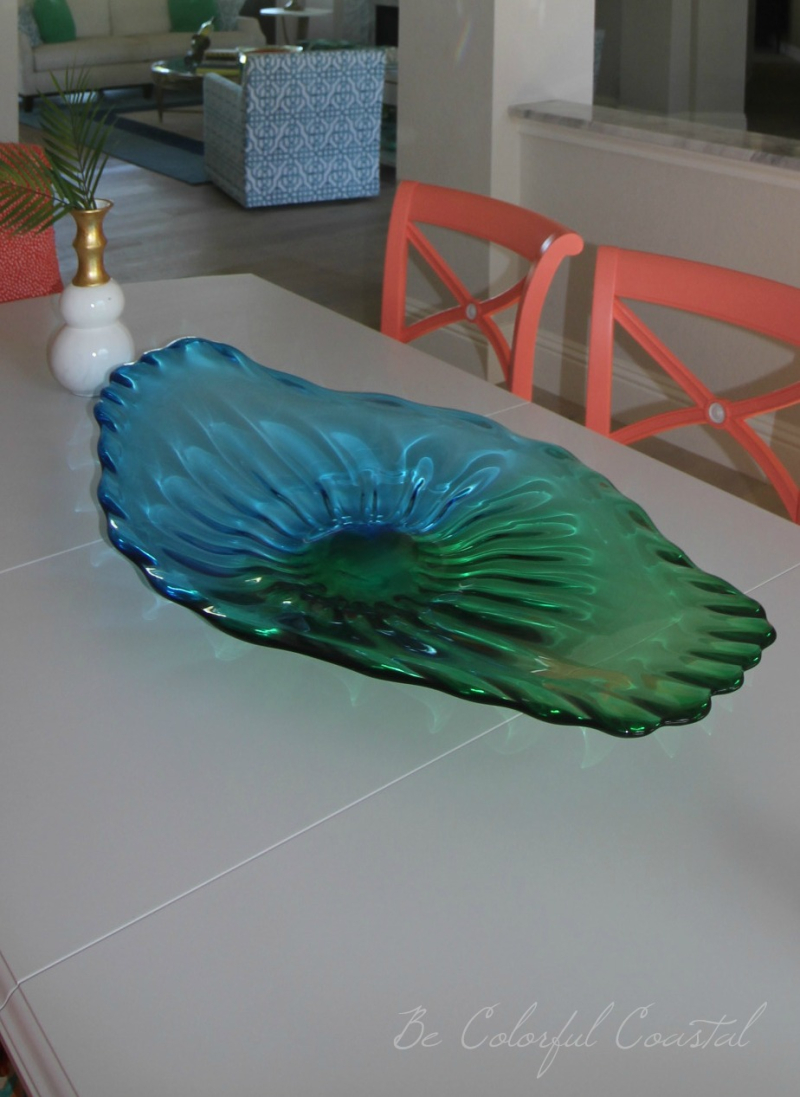 Centerpiece with blue chair