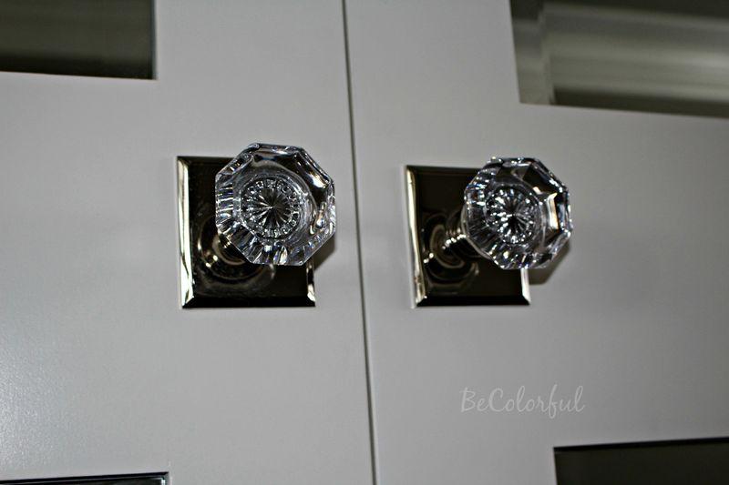 Door knobs on closet