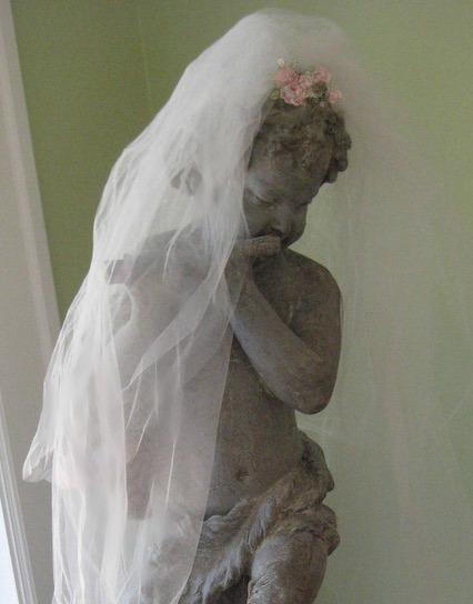 Puck with a veil16945_b-1