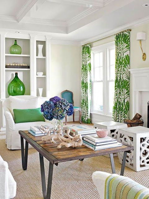 Coastal-living-room-with-green-details-and-decor