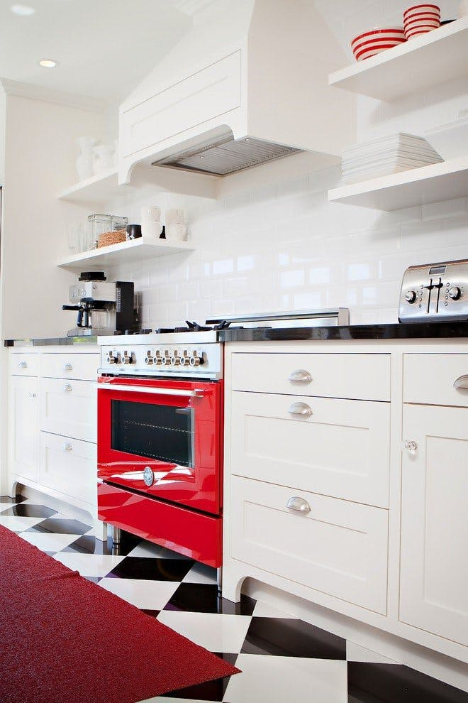 Https-::www.thekitchn.com:10-kitchens-that-show-how-to-use-red-inspiring-kitchens-207016#gallery:47883:3