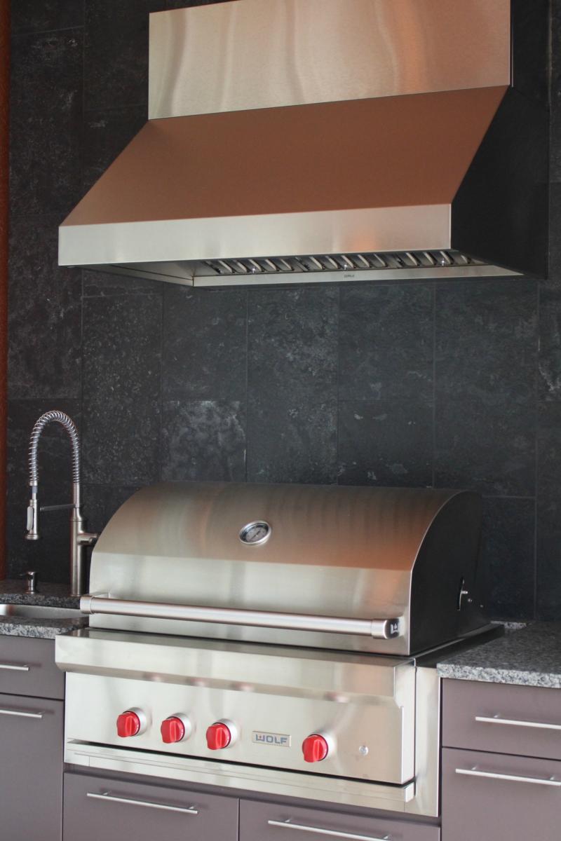 Lanai grill 2
