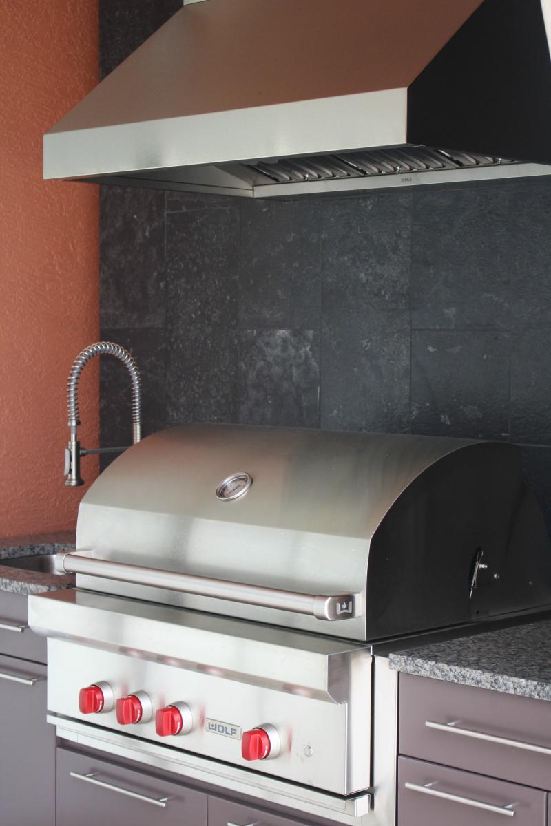 Lanai grill angle
