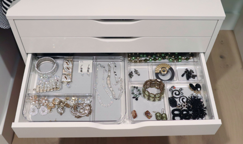 Favorite organization hacks jewelry storage bling (1)