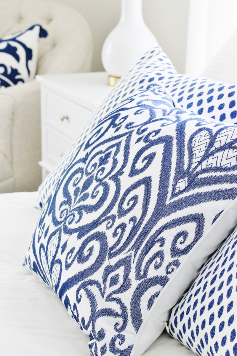 Blue-and-white-pillows