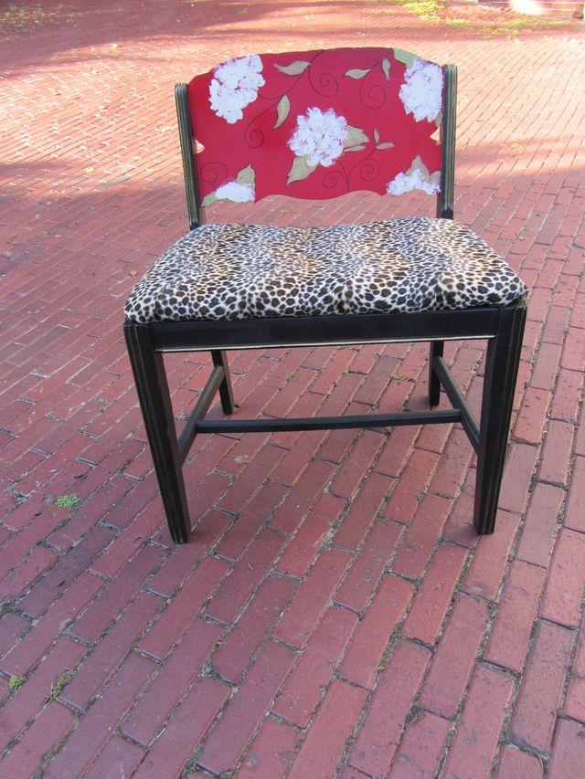 Vanity chair view 3